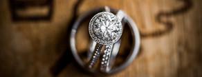Wedding ring shot by richmond wedding photographe marek k. photography.