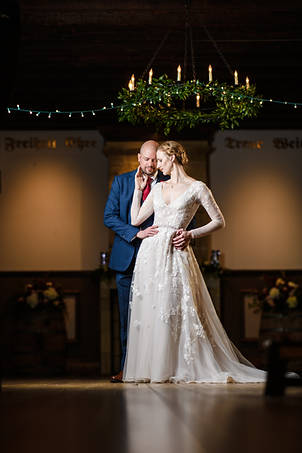 williamsburg winery wedding portraits with off camera flash by marek k photography.