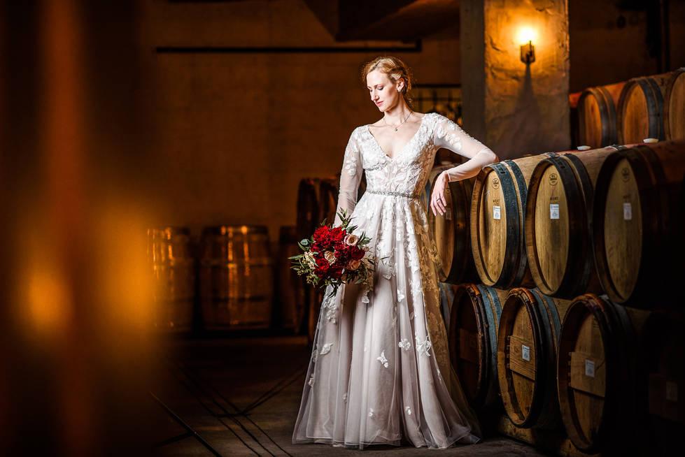 williamsburg winery wedding bridal by strobist wedding photographer marek k. photography