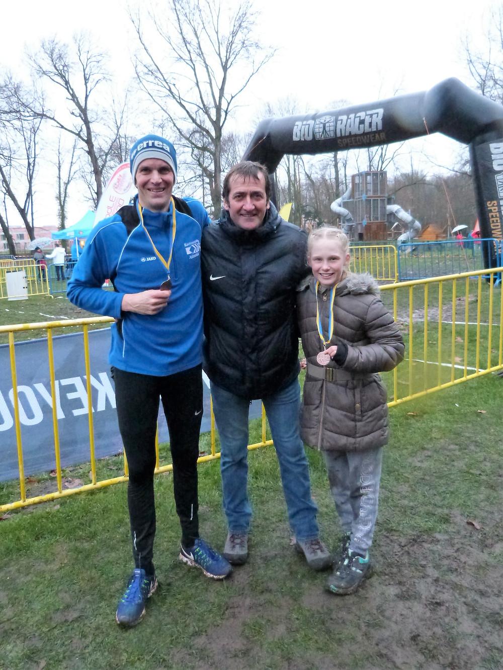 Kris Jacobs en Ylva Vertessen medaille LCC Cross   ADD Kortessem Atletiek