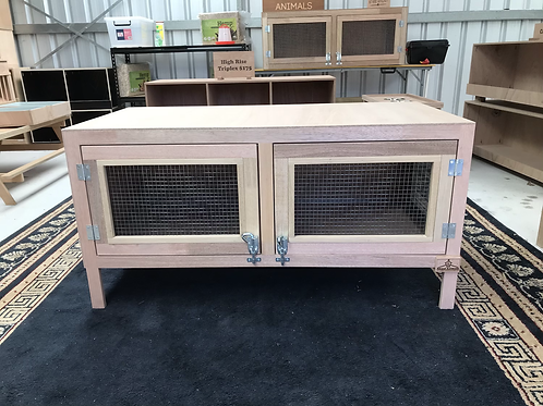 Deluxe Rabbit Hutch With Legs