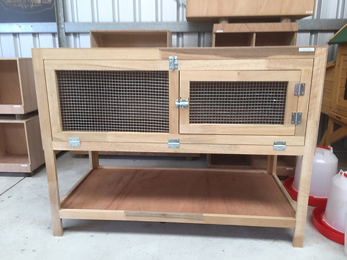 Brooder on stand