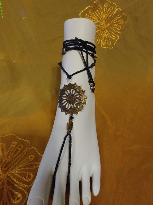Barefoot Sandals / Foot Jewelry / Yoga Sandals with Brass Filigree Connector