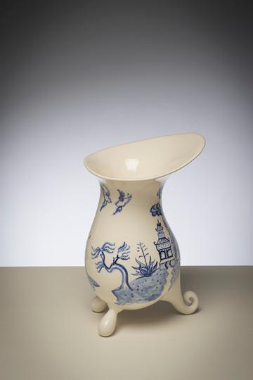 Harakeke Willow Pattern Vase