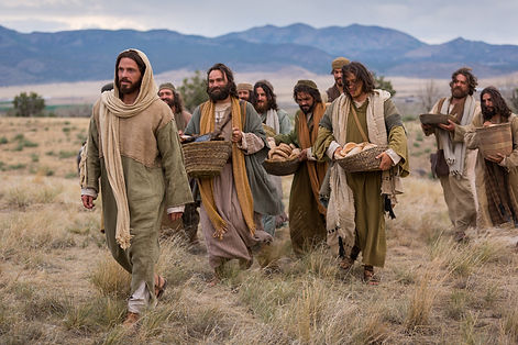 bible-films-christ-walking-disciples-112