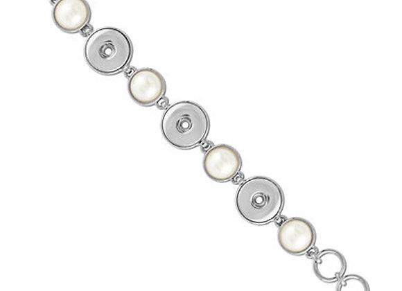 3 Snap Pearl Bracelet