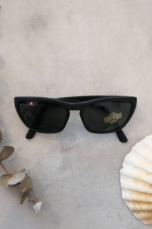 Vintage Black Minimal Sunglasses