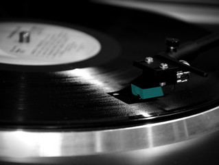 The Allure of Vinyl Records in the Modern Day