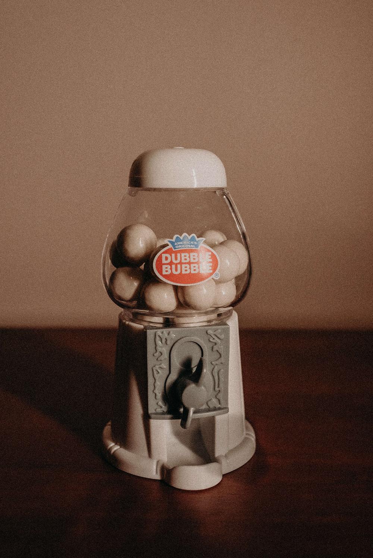 Wedding Favors. Mini Gum Ball Machine