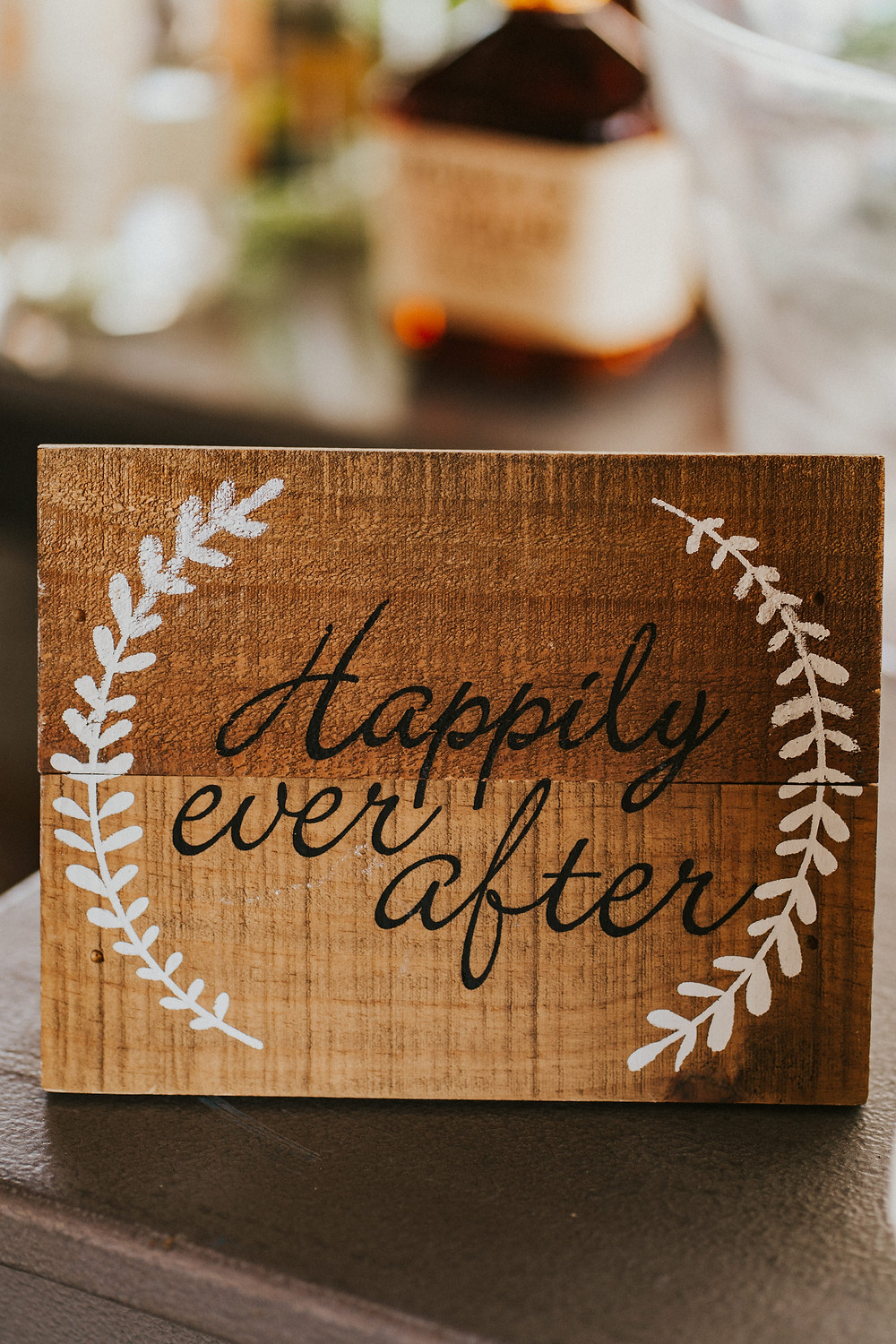 wedding reception rustic decor details