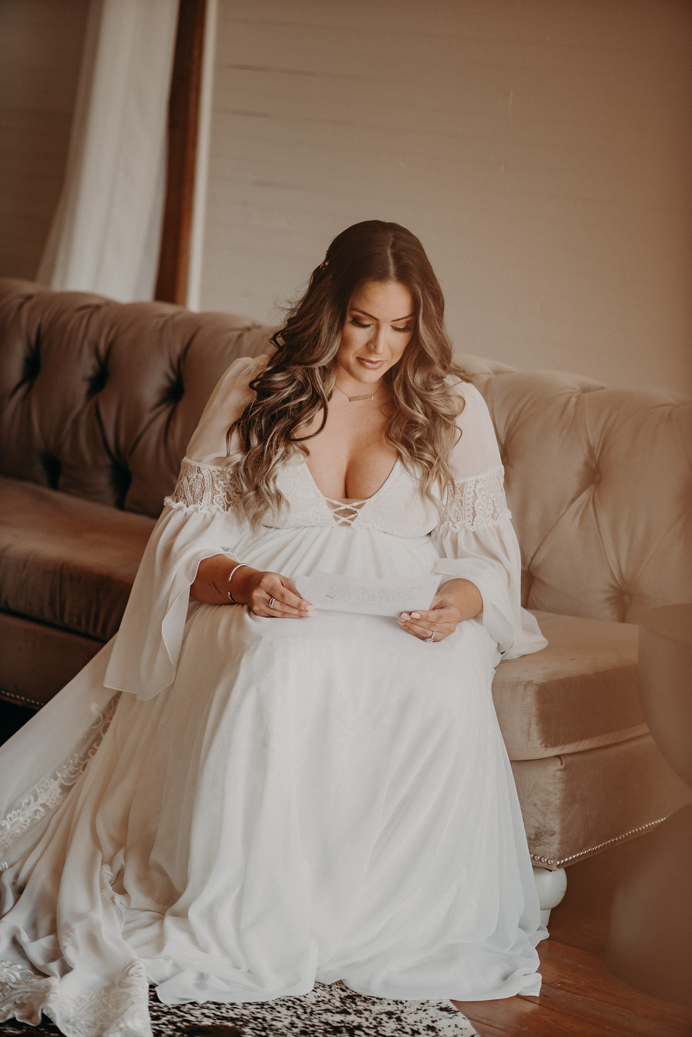 Bride reading the Groom's letter
