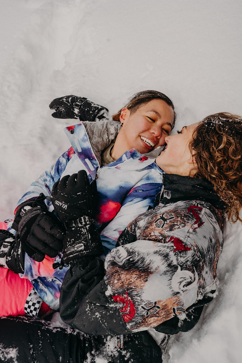 lesbian couple session in the snow