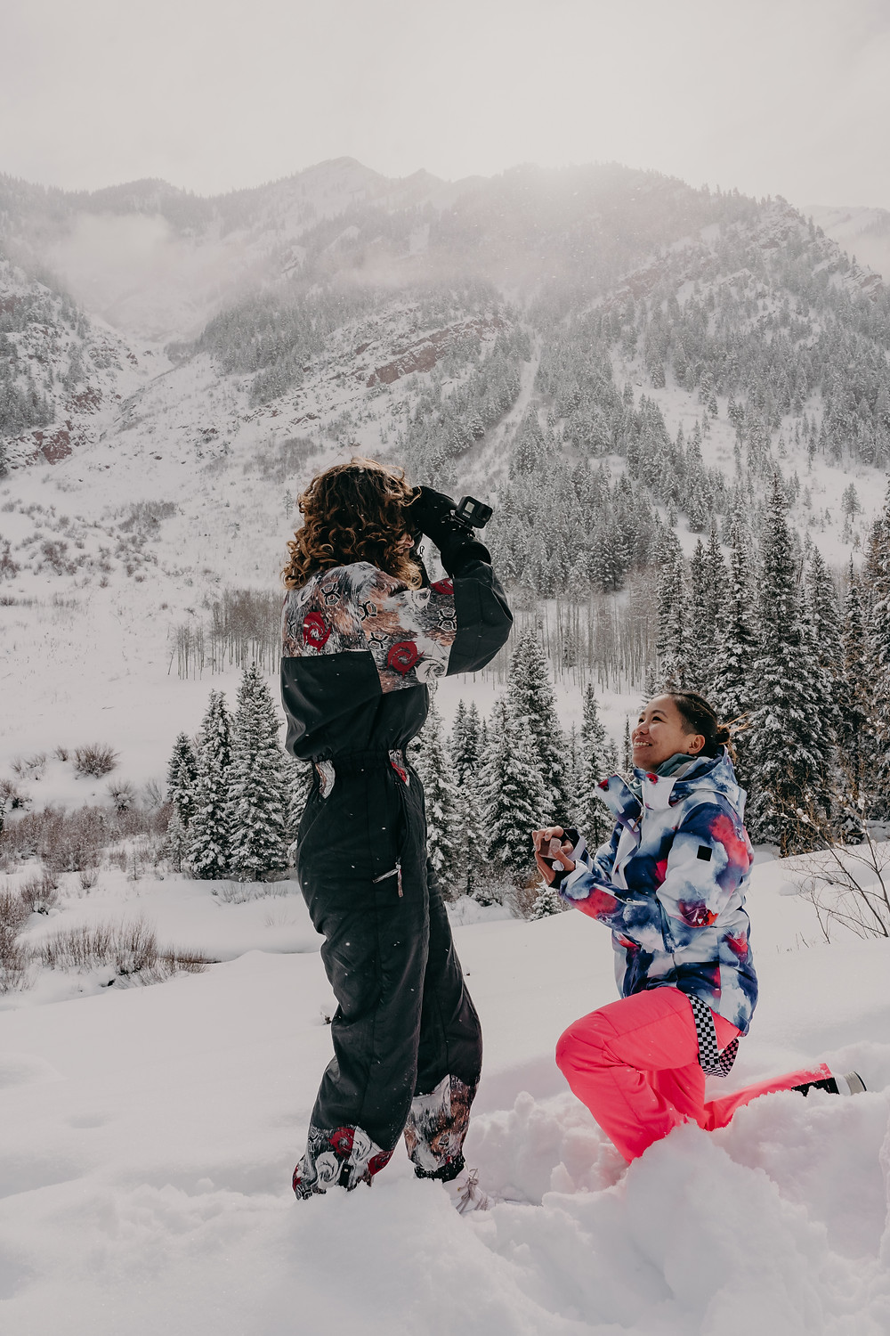 surprise proposal in a snow adventure