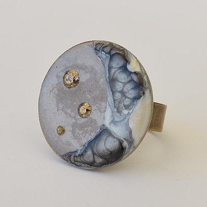 Bague artisanale Croissant de lune ciment et cristal ajustable