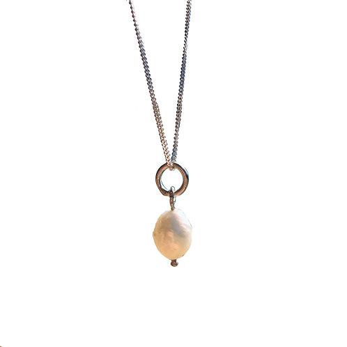 A vintage pearl