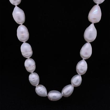 Baroque pearl necklace strand