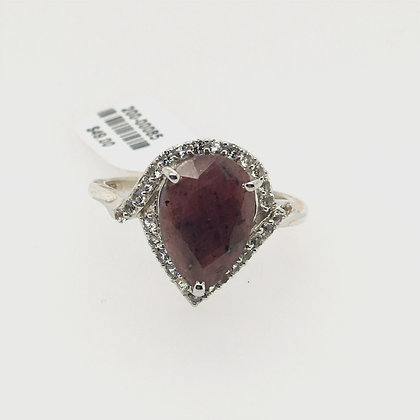 Cubic zirconium ring