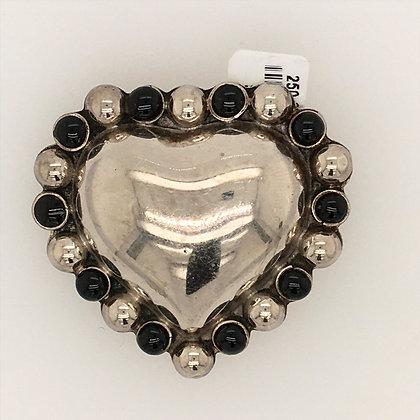 Onyx heart pendant/pin