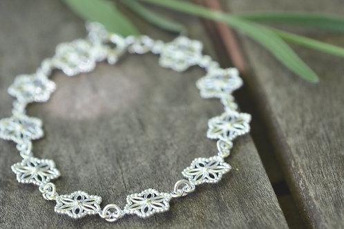 Silberarmkette Blumen