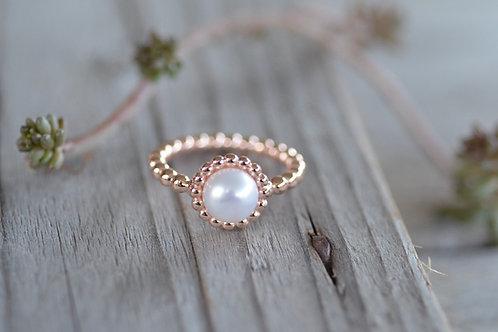 Fingerring mit Perle