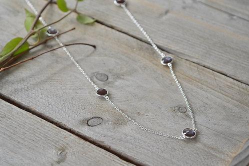 Halskette mit Stein