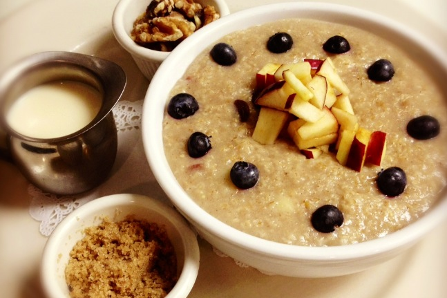 Old-fashioned apple raisin Oatmeal