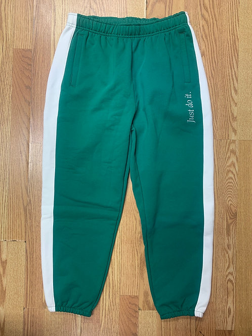 NIKE Sweatpants (Loose Fit)