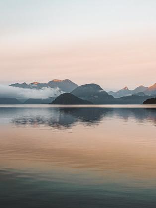 lake manapouri.jpg