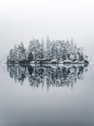 eibsee frozen island portrait-1.jpg