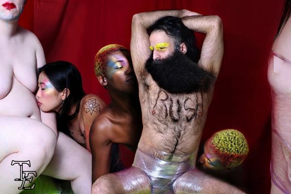 Photography & Artwork: Dima Peels