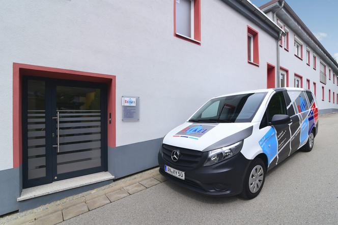 Büro Sachsen b. Ansbach - Büroeingang auf der Gebäuderückseite