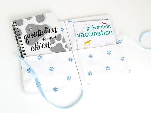"""Pack : carnet """"Le quotidien de mon chien"""" + protège carnet """"Filou"""""""