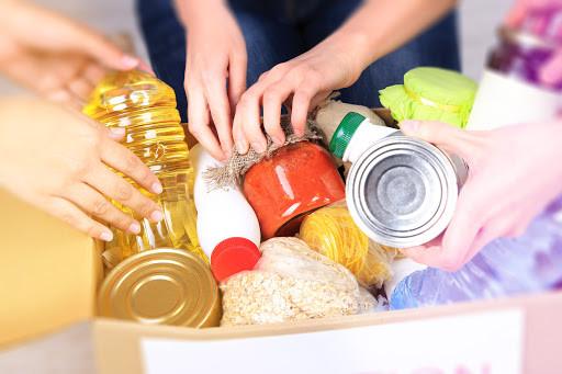 Doe alimentos para famílias carentes