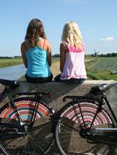 12_Simeli_Lisse&Sophie.jpg