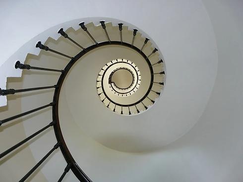 IPESO_escaliers_les_9_pièges.webp