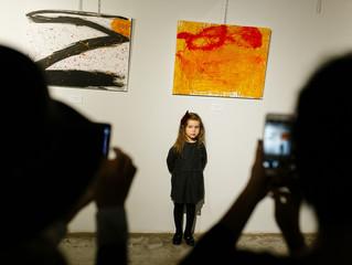 """Официальное открытие выставки """"Circles"""" 5-летней художницы Алисы Щелкановой"""
