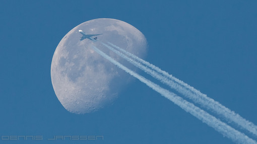 Lufthansa B748 crossing the moon