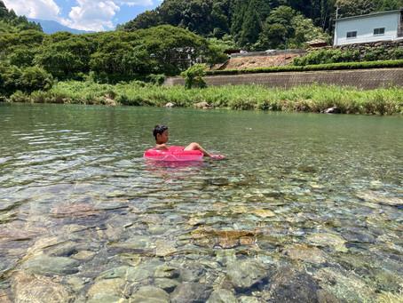 休日に川遊び〜