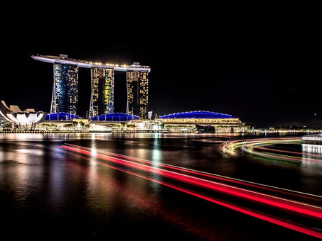 NIGHT PHOTOGRAPHY AT MARINA BAY SANDS HOTEL