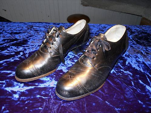 1940's blunt toe shoes