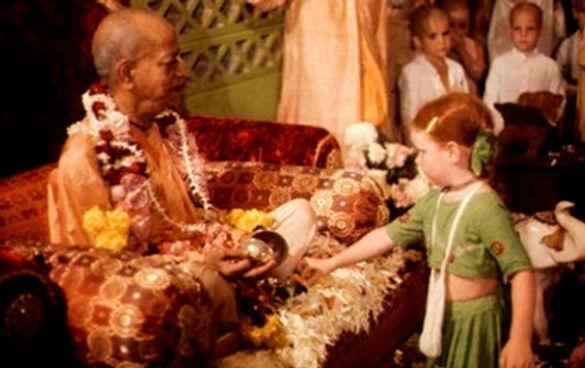 Prabhupada_and_children_10_edited_edited.jpg