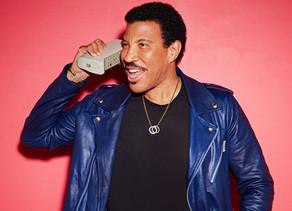 Lionel Richie Announces Wrexham Gig Next Summer!