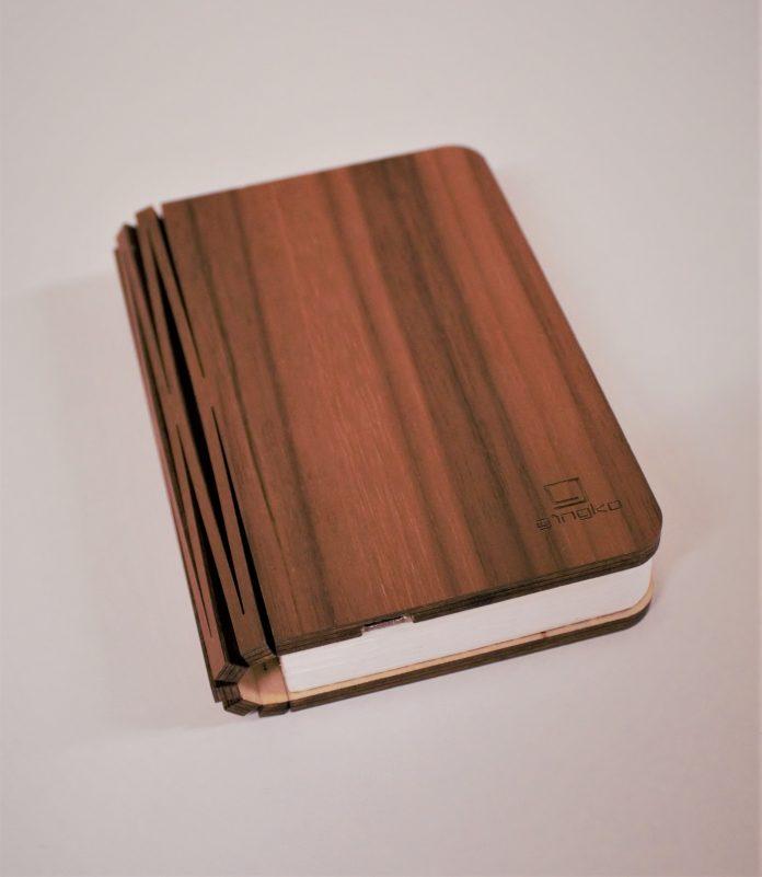 booklight-696x801