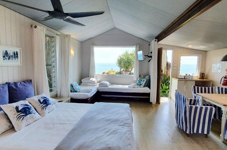 Cabin 1 Seashanties.png