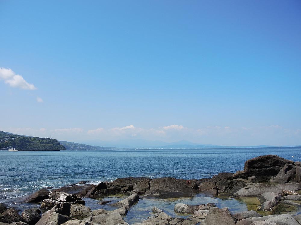 真鶴琴ヶ浜海岸から見る水平線