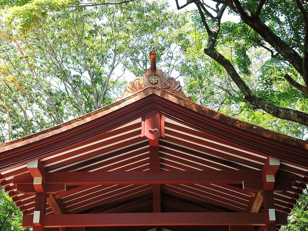 伊豆山神社本宮社拝殿の屋根 熱海別荘不動産Irodoriいろどり