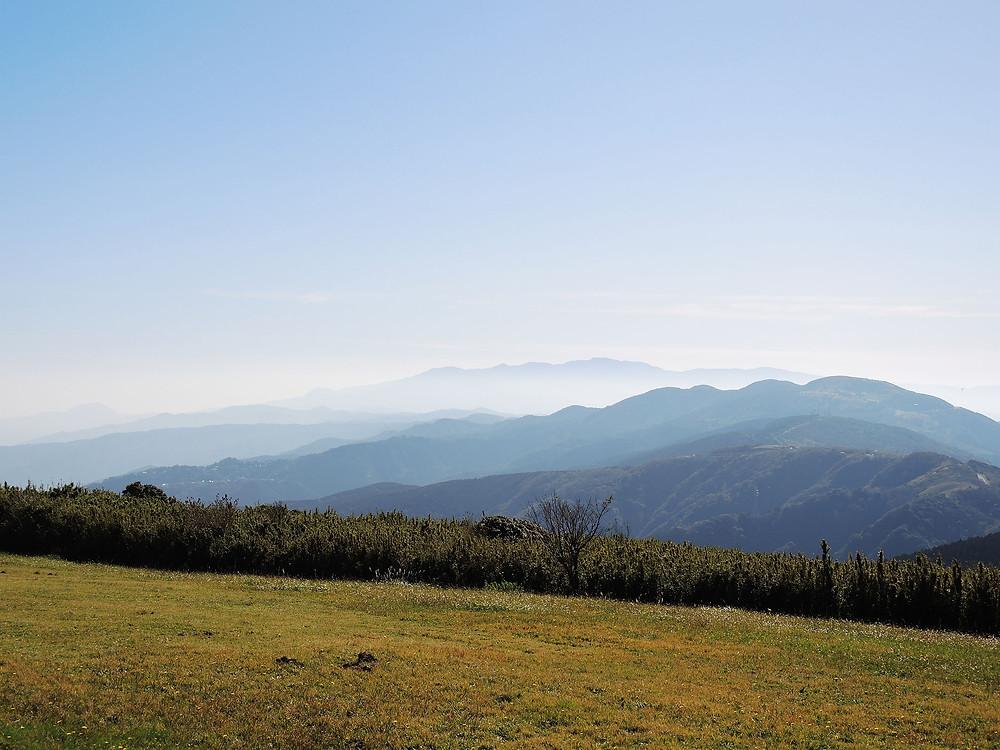 熱海十国峠山頂から眺める伊豆の山々