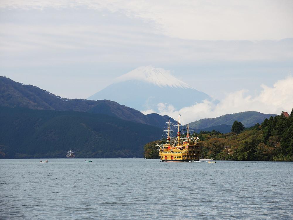箱根芦ノ湖と富士山