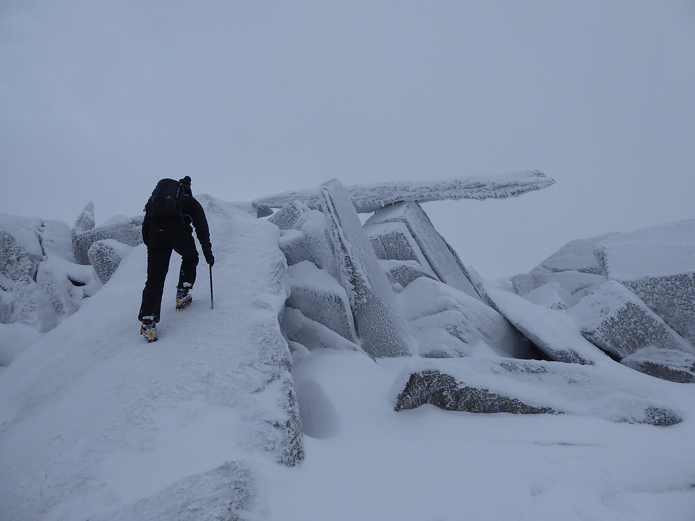 Climbing onto the Cantilever Stone, Glyder Fach