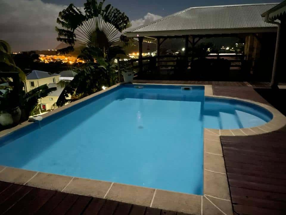 La villa martiniquaise piscine
